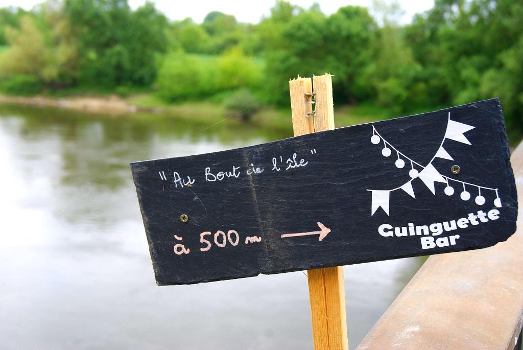 GUINGUETTE AU BOUT DE L'ÎLE©