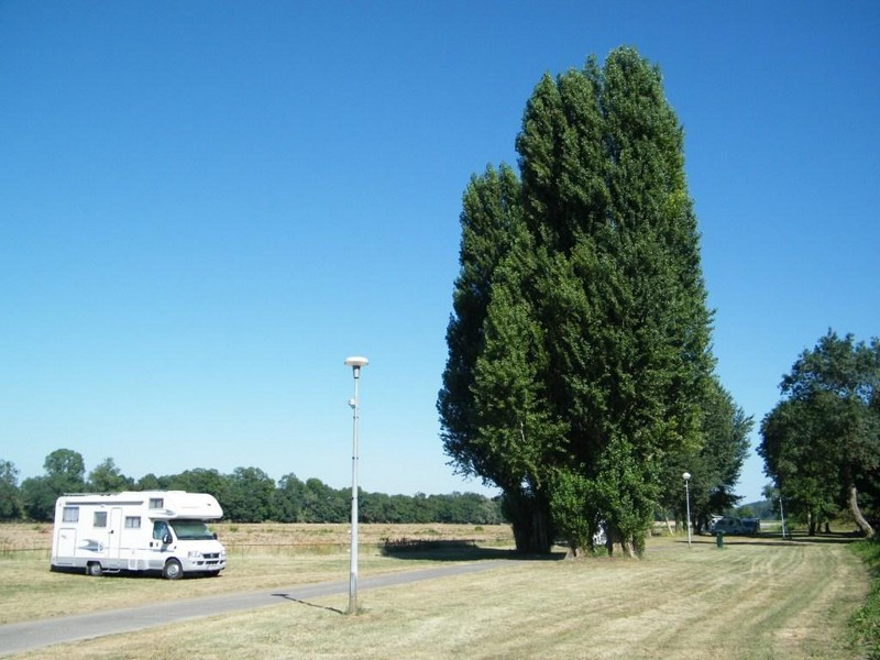 AIRE CAMPING-CARS DE CUNAULT©