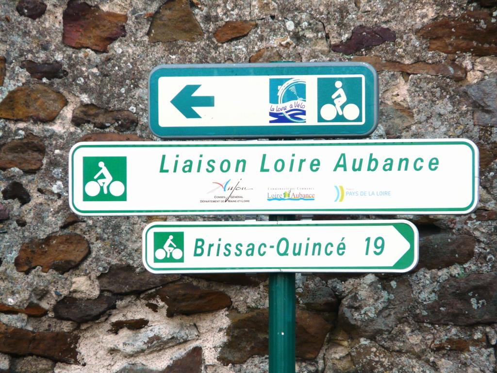 AIRE D'ARRÊT VÉLO DE BRISSAC-QUINCÉ©